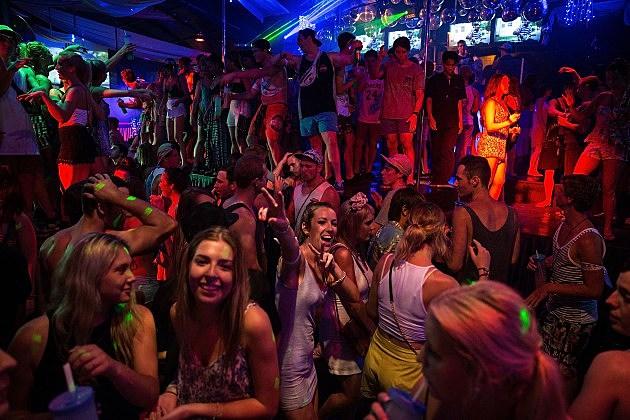Cincinnati night club strip ungaarisch