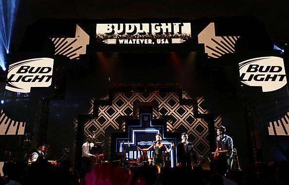 Postmodern Jukebox performs