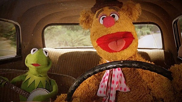 M.W.A. - Fozzie Bear and Kermit the Frog perform N.W.A.'s Express Yourself