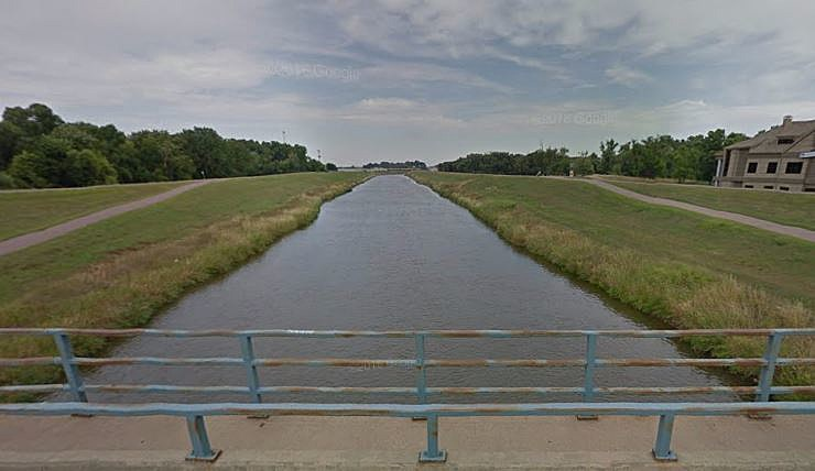 Big Sioux from 49th St Bridge Google Maps