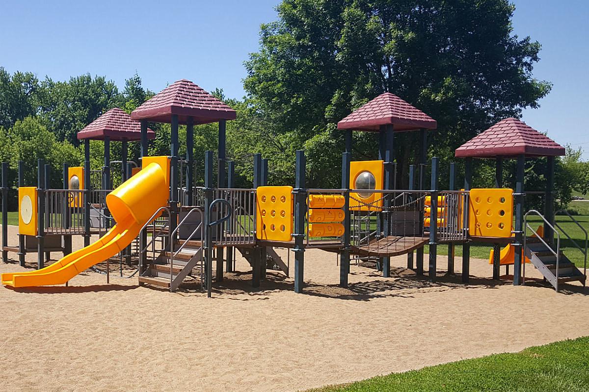 Tuthill Playground (Crystal Erickson)